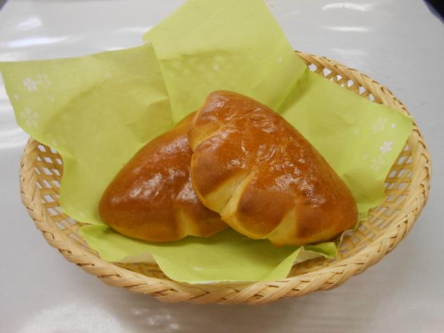ミニクリームパン ¥60